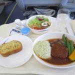 チャイナエアライン 成田 – 台北 ビジネスクラスに乗ってみた。気になる機内食も紹介。